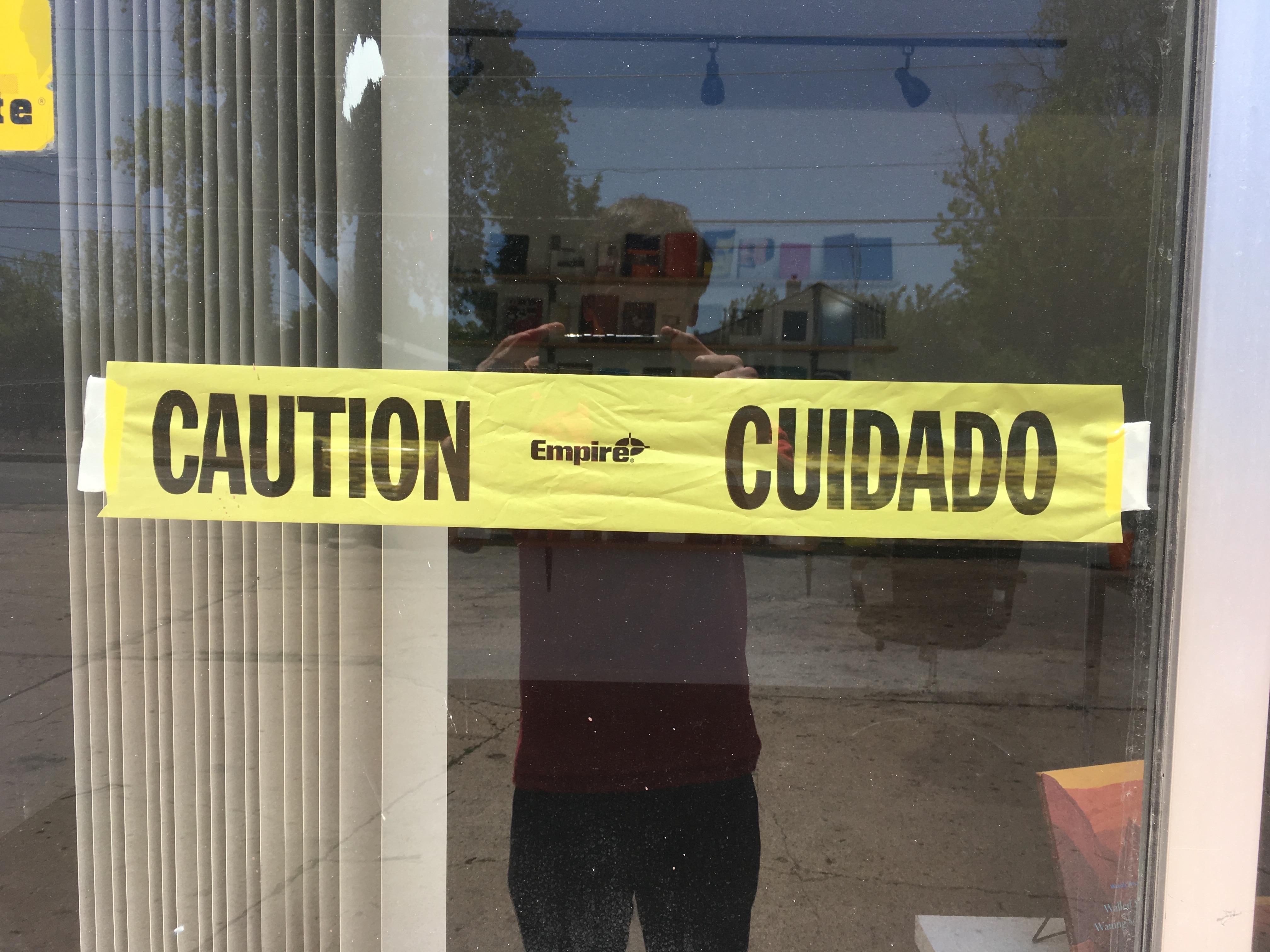 """""""Caution / Empire / Cuidado"""" Installation"""